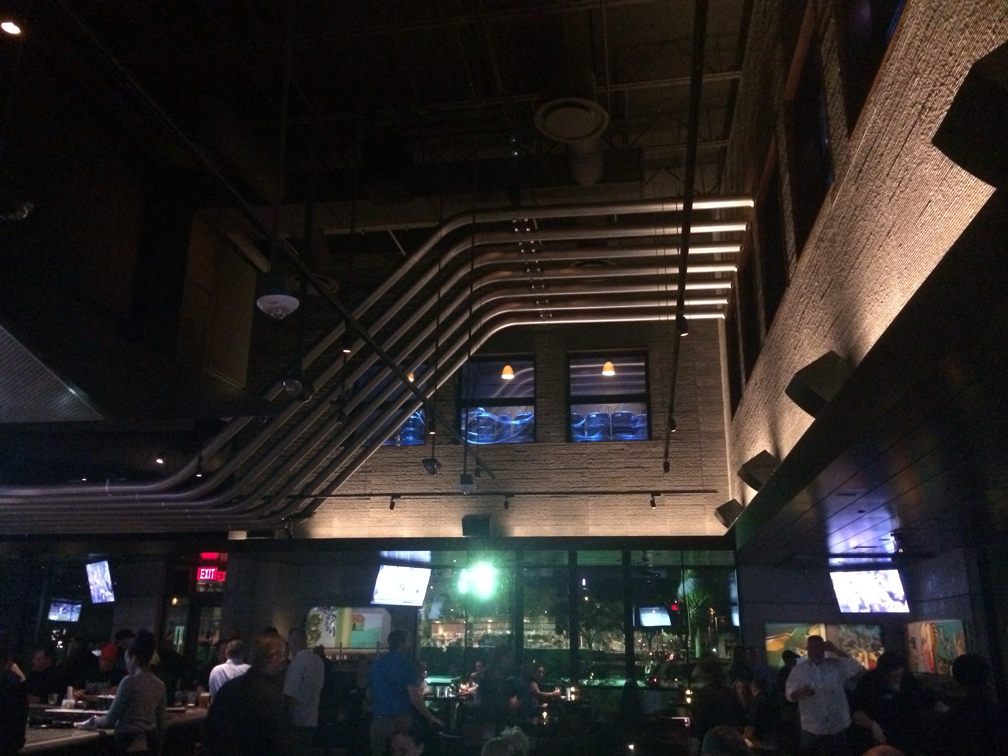 Yard House Orlando S Newest Craft Beer And Foodie Mecca