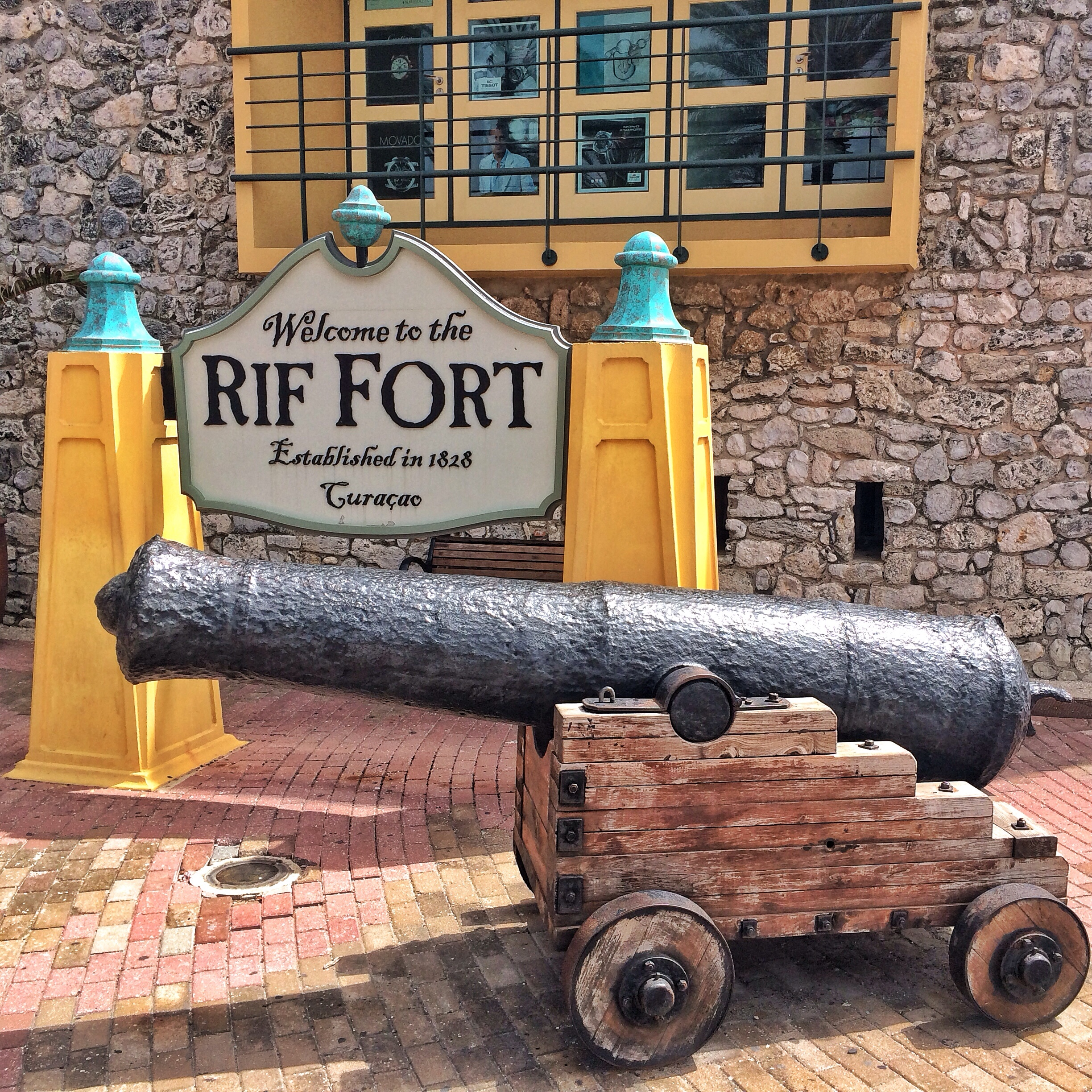 Port of Curacao - Rif Fort