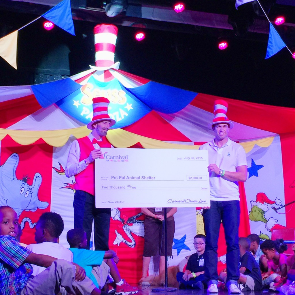 """Evan Longoria reads Dr Seuss """"What Pet Should I Get"""" Book to Children on Carnival Cruise Lines"""
