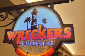 Wreckers Sports Bar in the Gaylord Palms Orlando Resort
