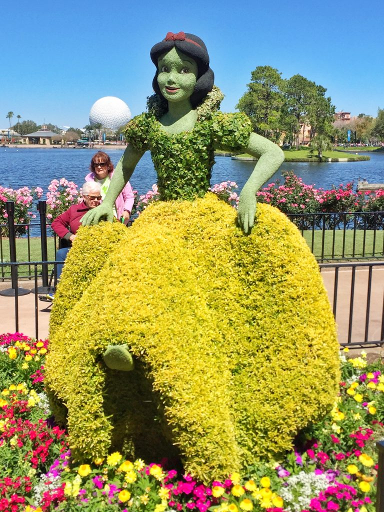 Disney's Epcot International Flower and Garden Festival Snow White Topiary